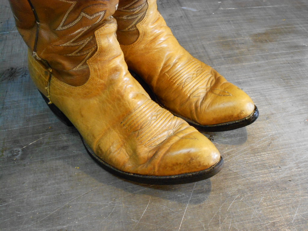 how to clean cowboy boots 5